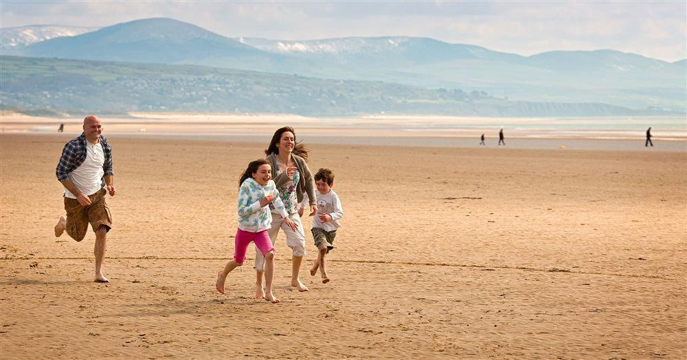 Black Rock Sands beach is only 13 minutes walk away!