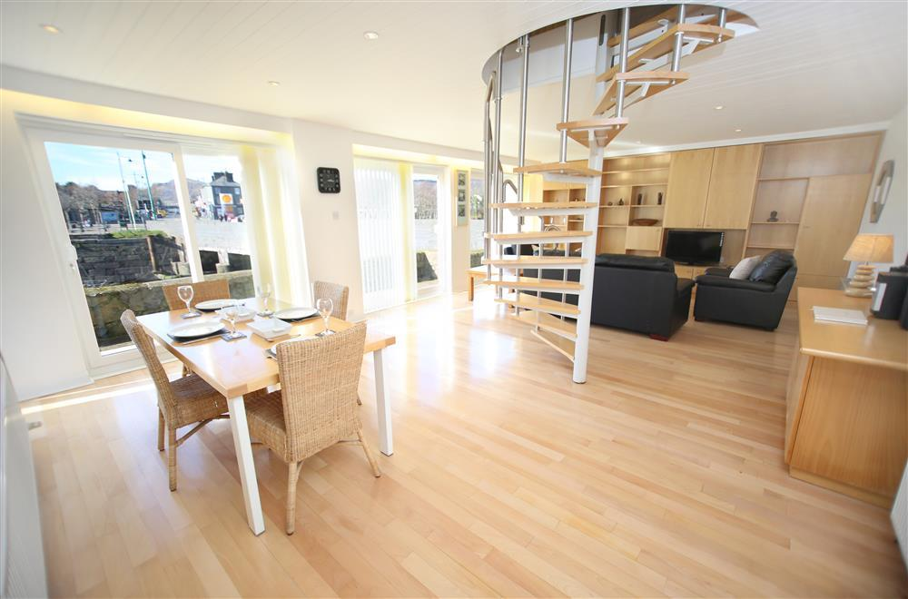 Spacious lounge / kitchen / diner with sliding doors to the patio (Ground Floor)