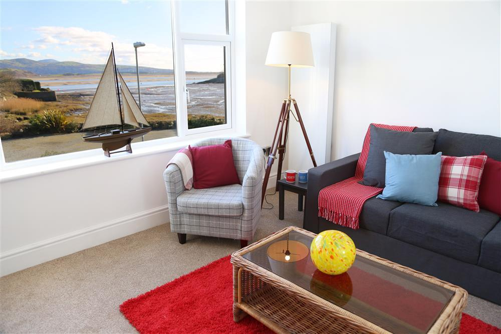 Lounge with views over the bay