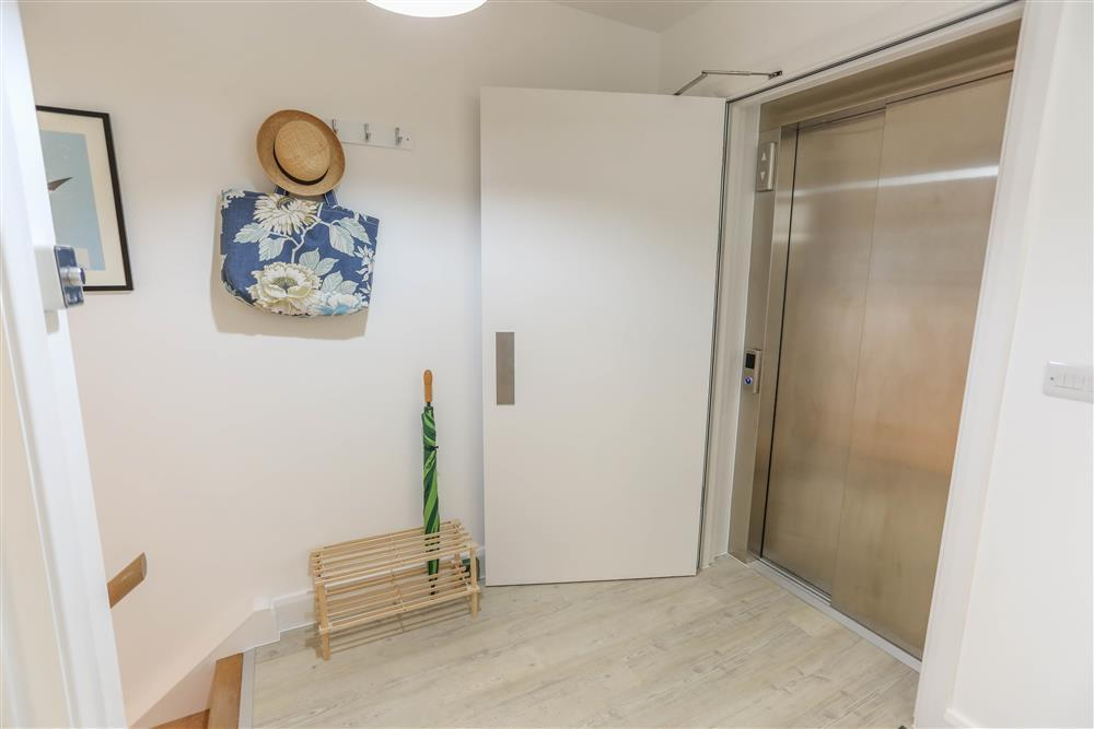 The lift and entrance to the apartment