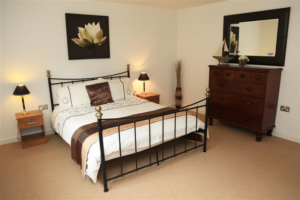 Master Kingsize bedroom, on the 1st floor