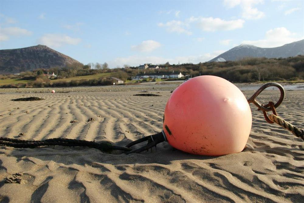 New Cottage is 9 minute walk (0.4 mile) away from Trefor Sandy Beach. This photo was taken at low tide.
