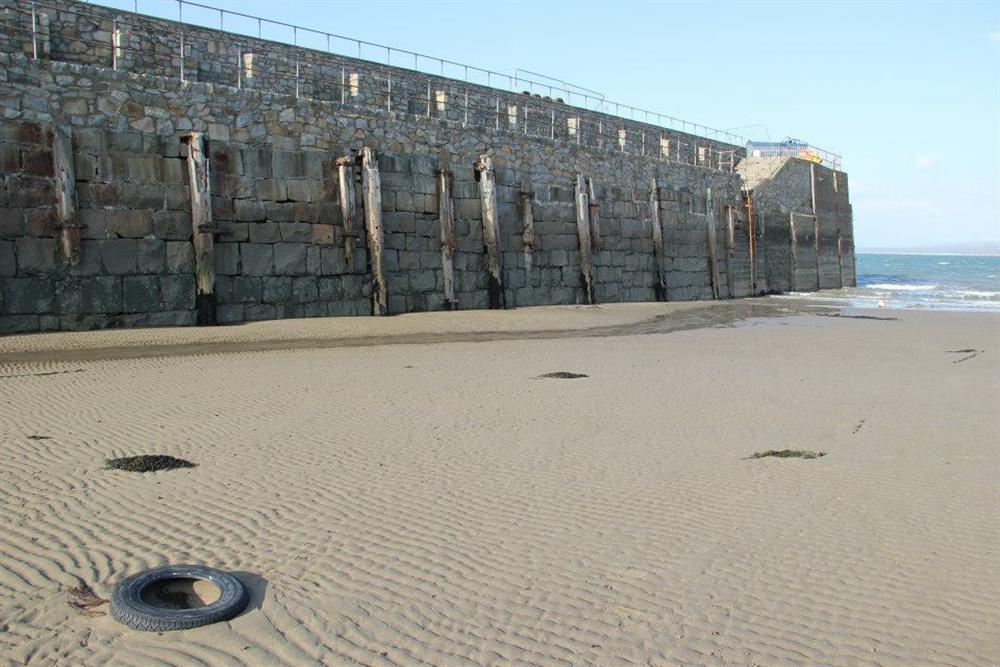 Terfor Pier at low tide.