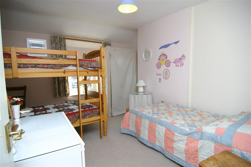 Bunk beds and single bedroom