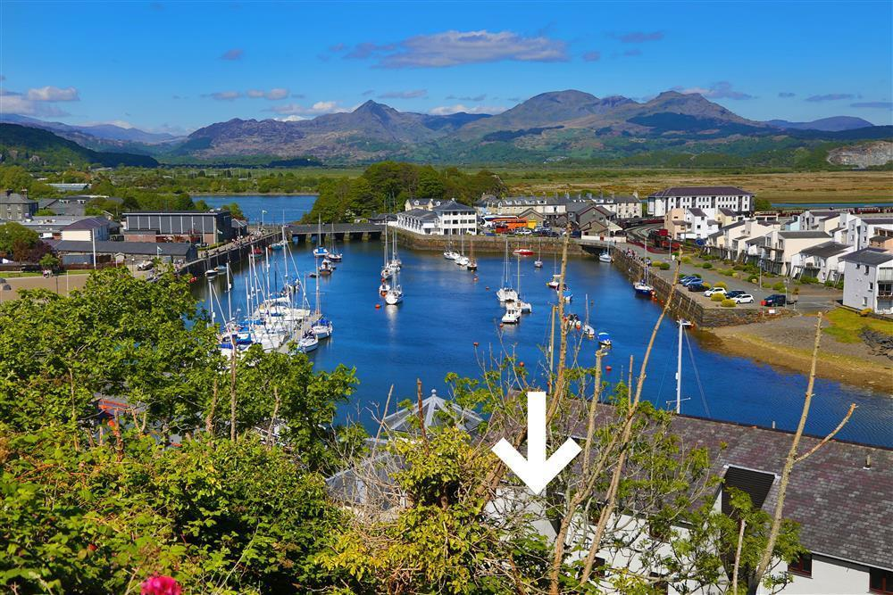 The white arrow shows where Oakley View is in Porthmadog Harbour