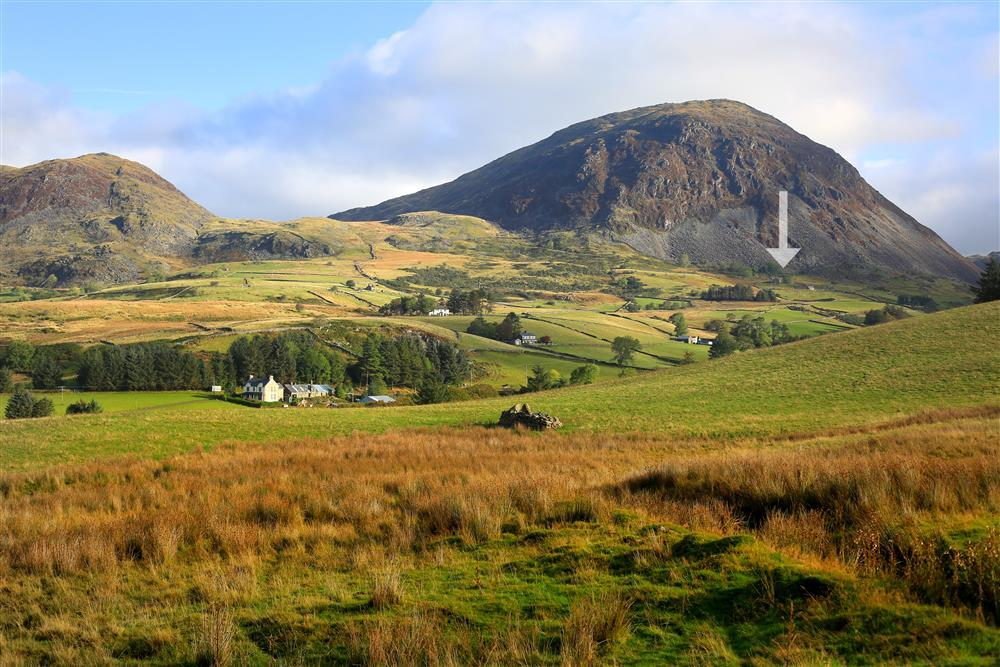Cae Canol Farmhouse is located in the stunning Teigl valley