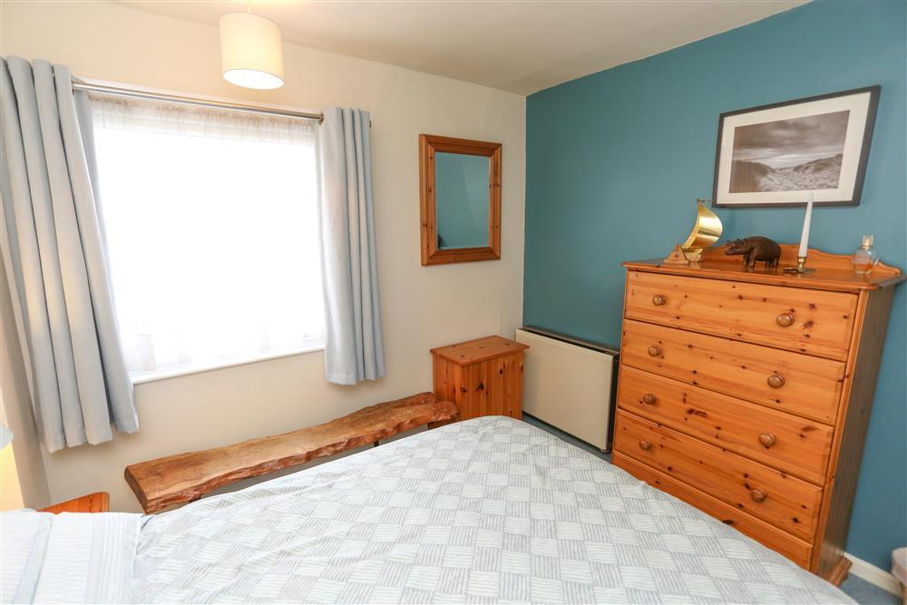 Bedroom 1: double bed (Ground Floor)