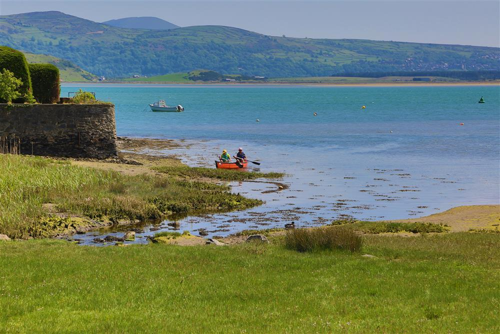Borth y Gest - This photo is looking over the esturary towards Harlech and the mountains beyond.