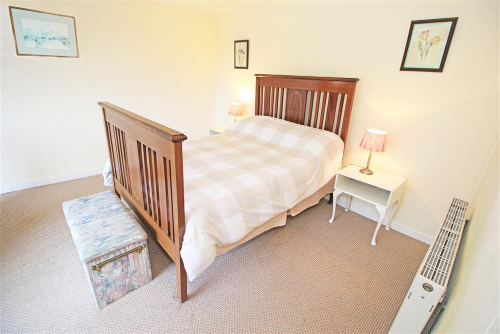 Bedroom 1: 1 double antique bed and 1 cot (ground floor). If cot is required, please double check what spec and bedding is provided with the owner in advance of your arrival.
