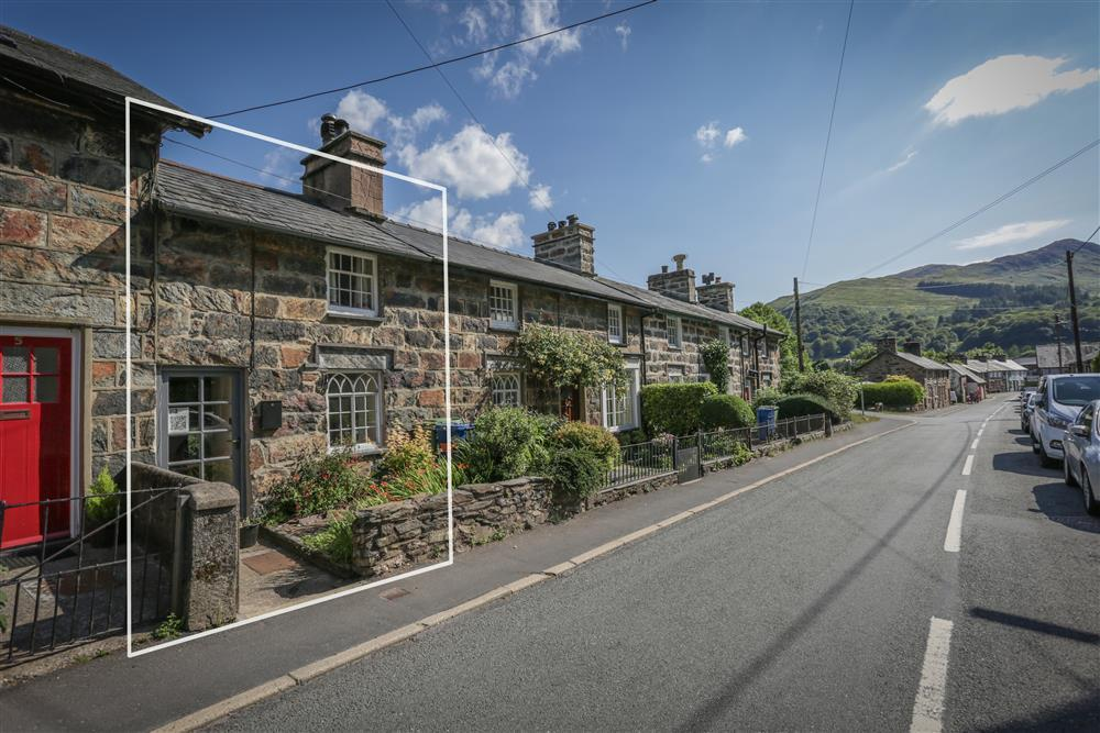 Riverside Cottage sits in the picture perfectl village of Beddgelert near Snowdon