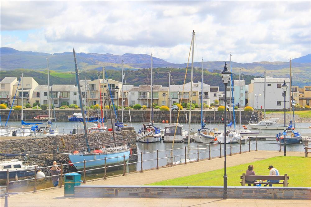 Close up photo of the harbour views and the Snowdonia mountains beyond. This is the close up view that can be seen from Bedroom 1,2 & 4.