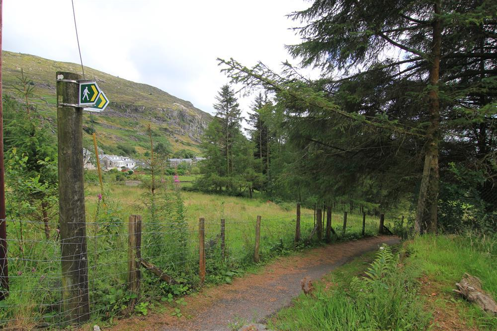 The footpath from the car park area down the hill to Blaenau Ffestiniog, it takes around 19 minutes to walk to the centre of Blaenau Ffestiniog to the steam railway station and a little Co-op supermarket.