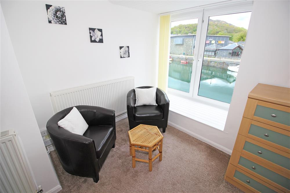 Bedroom 2 has a small sitting area next to the window with the view of Porthmadog Harbour and the bridge which the steam trains uses to cross over the river get to the Harbour Train Station (1st Foor)