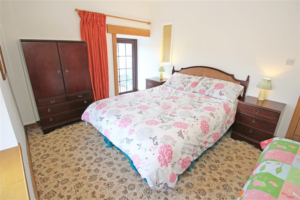 Bedroom 6: 1 double bed and 1 single bed (1st Floor in the Granary).