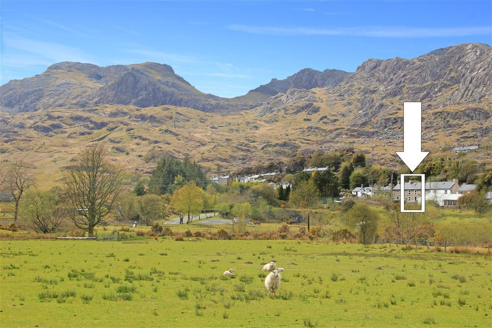 Explorer's Cottage, Tanygrisiau. This is a UNESCO World Heritage Site: 'Wales Slate' - Ffestiniog: it's Slate Mines and Quarries, 'city of slates' and Railway to Porthmadog.