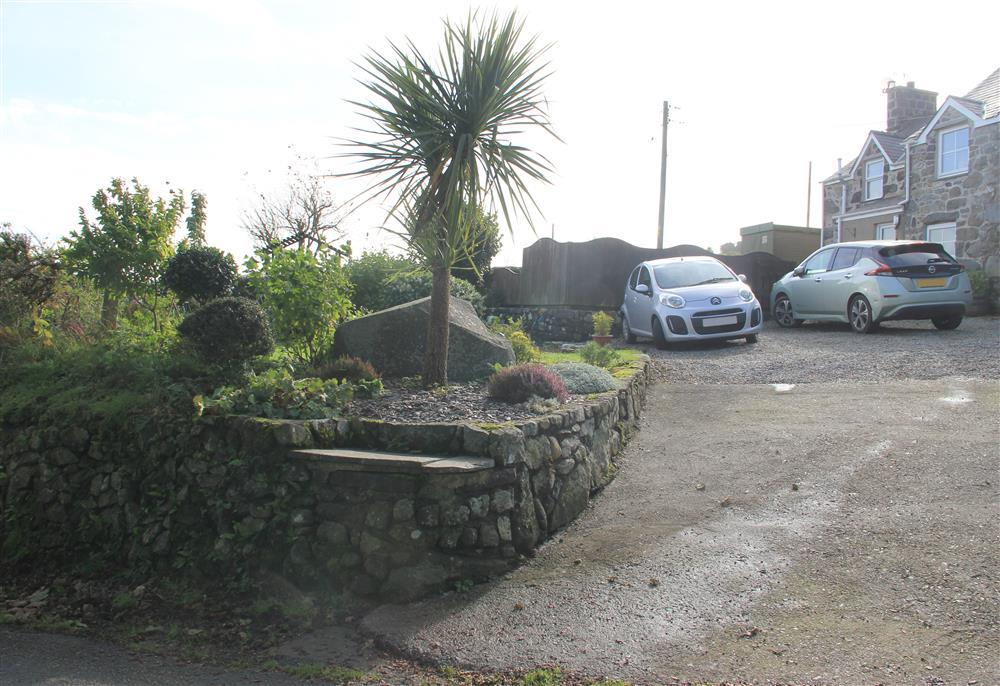 The drive way and car park area for Moonlight Cottage