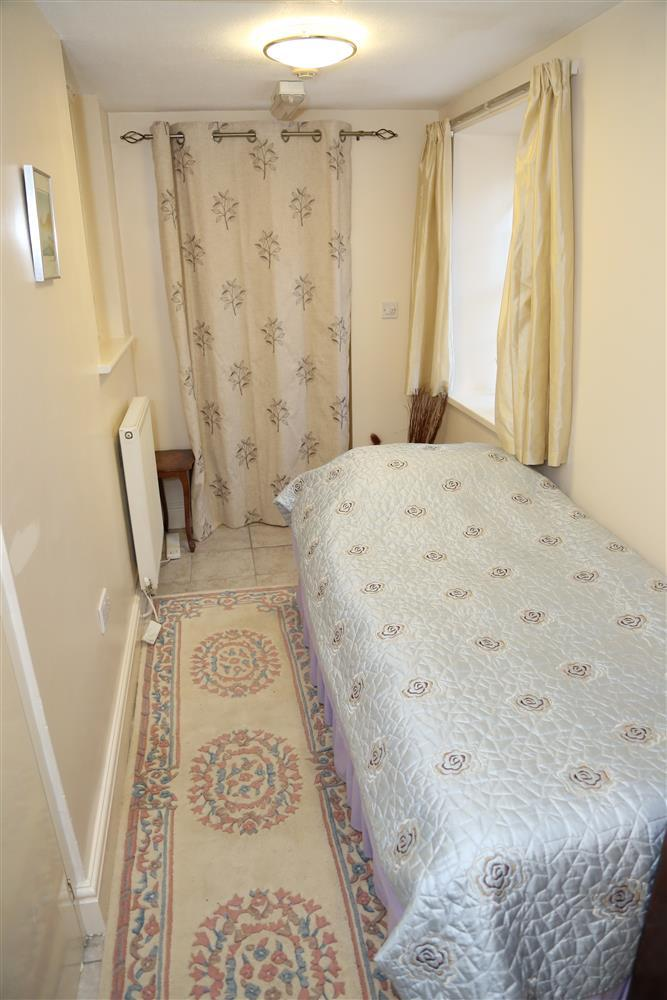 Extra downstairs single bed