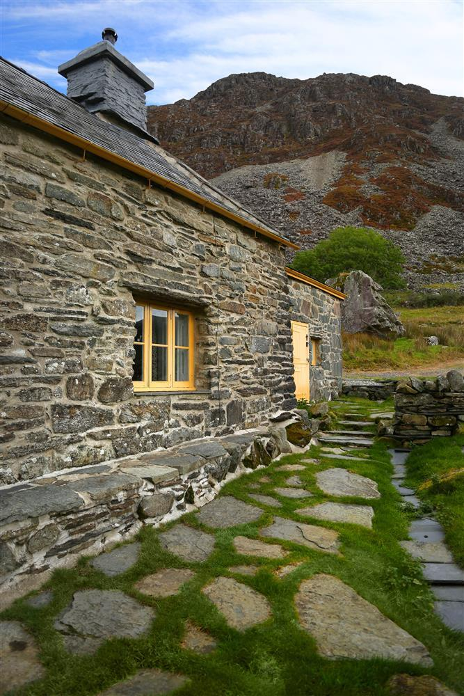 Manod Mawr mountain is located right behind the farmhouse
