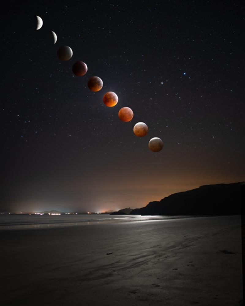 The blood moon over the Llyn Peninsula